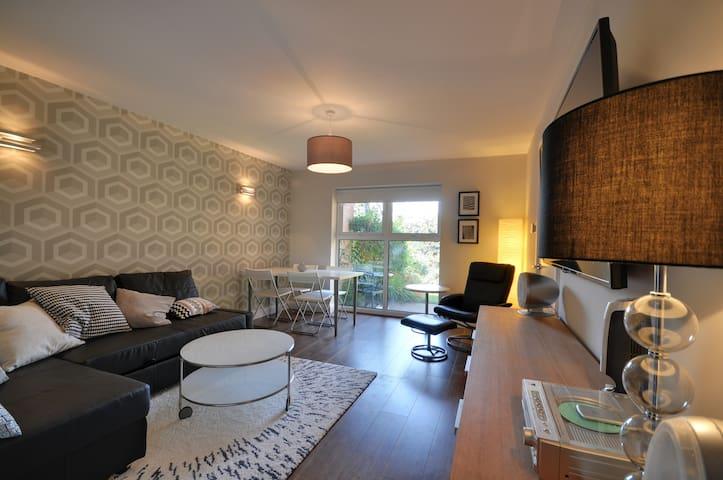 Stylish Garden Apartment -Free Wifi - Stockport