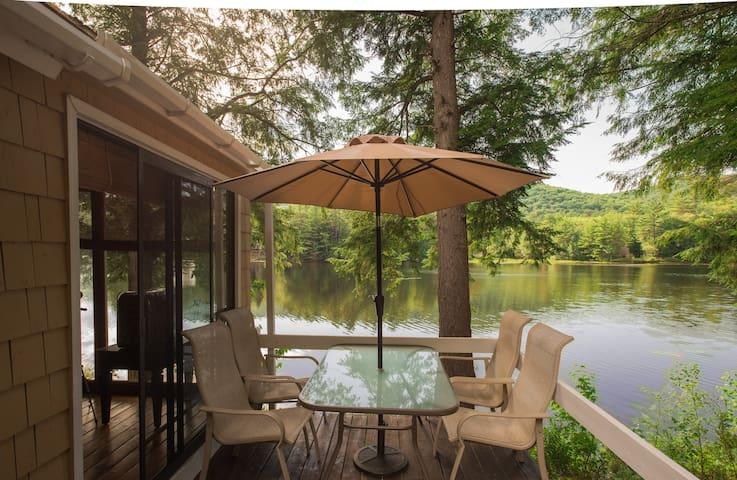Beautiful Serene Lake/Ski House - Grafton - Hus